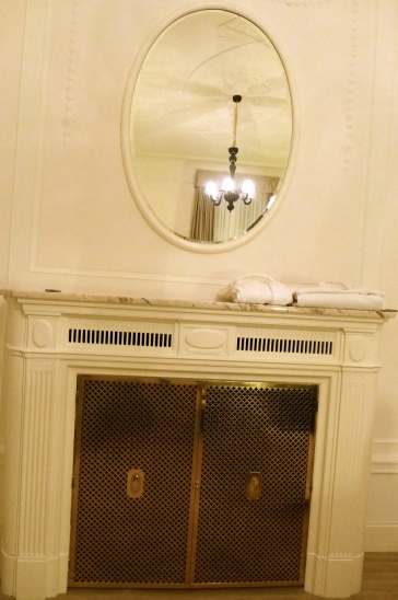 お部屋の暖炉